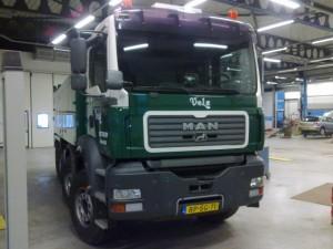autoschade roelofs-MAN vrachtwagen en kipperbak gespoten in bedrijfskleuren (1)